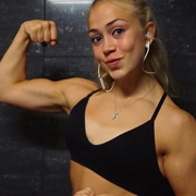 Teen muscle girl Fitness girl Elvira