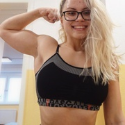 Teen muscle girl Fitness girl Susi