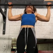 18 years old Fitness girl Serena Pull ups